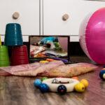 Bewegung und Spiel für Babys geboren von Mai bis Juli 2021